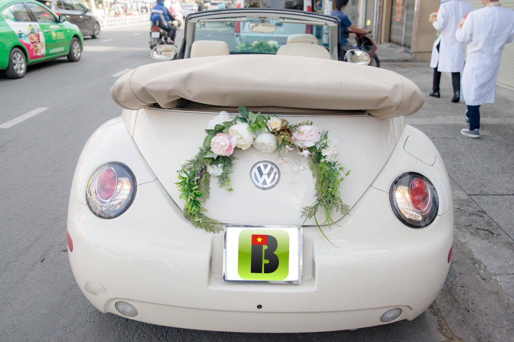 bookabus-vietnam-wedding-car-rental-service